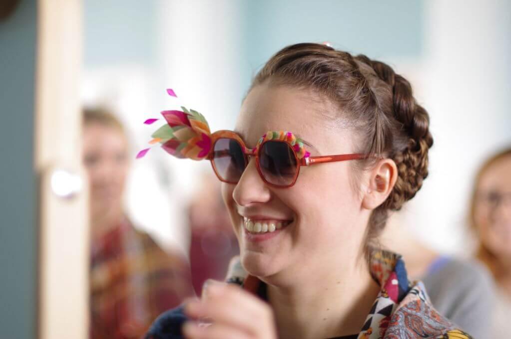lunettes de mode audacieux avec des plumes